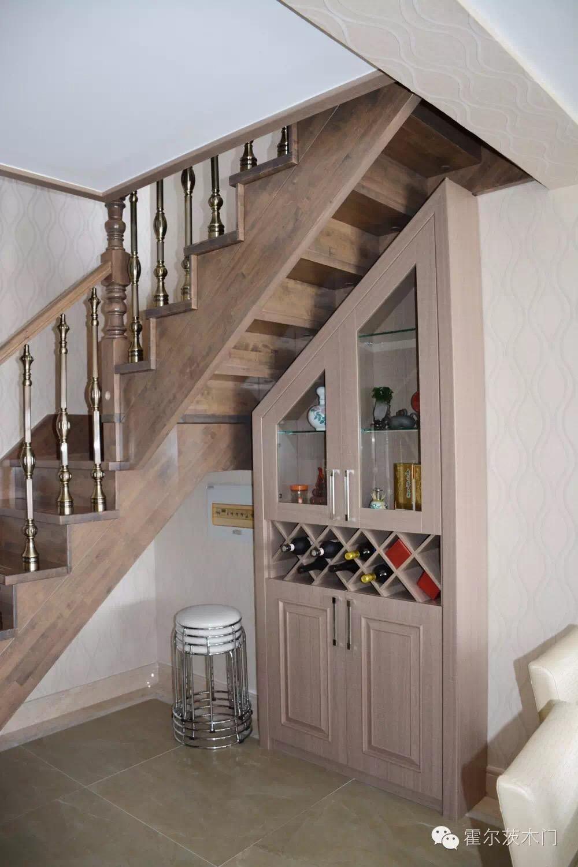 楼梯下酒柜设计图